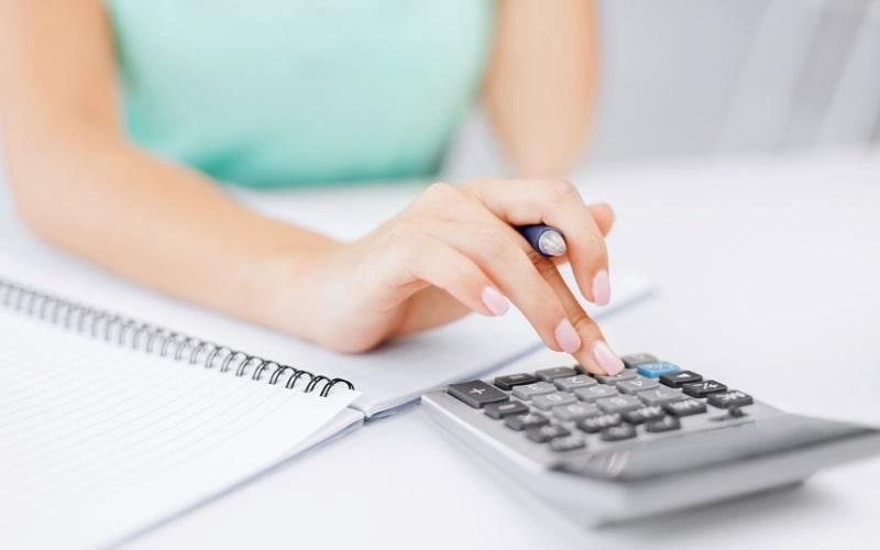 Voici comment faire des calculs de crédit avec une calculatrice de prêt.